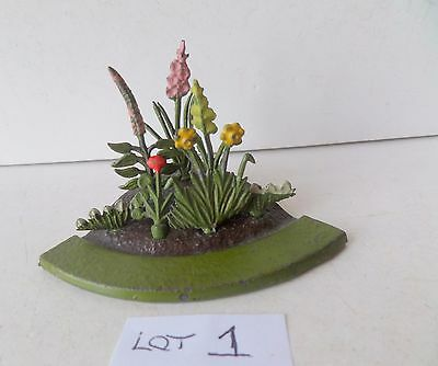 BRITAINS PRE-WAR PAINTED LEAD GARDEN No02 FLOWER BED+7 FLOWERS lot 1