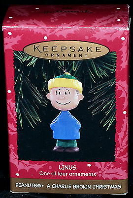 Linus - Peanuts - A Charlie Brown Christmas Hallmark Keepsake Christmas Ornament