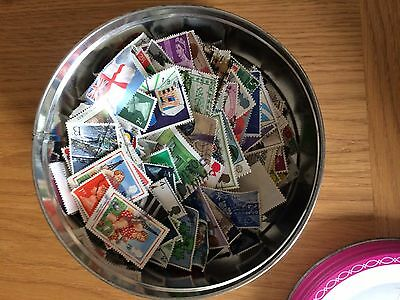 1000s of off paper great britain mixture mostly used a few mint