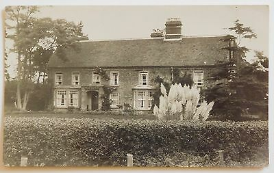FELIXSTOWE, Unidentified House, Suffolk RP - 1920's - Vintage postcard