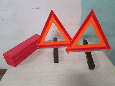 D.O.T. APPROVED (2) REFLECTIVE TRIANGULAR EMERGENCY ROAD SIGN KIT w/HARD CASE