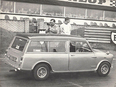 MINI ESTATE CAR REG No.5564 KX, AT BRANDS HATCH FESTIVAL 28th MAY 67, PHOTO.
