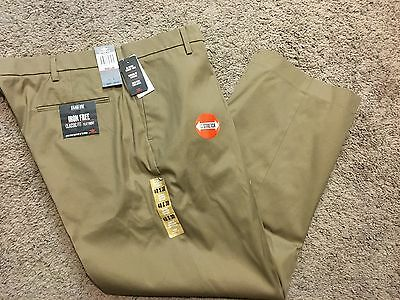 Nwt Mens Dockers Classic Fit Iron Free Khaki Flat Front Brown 40X30 Msrp$72