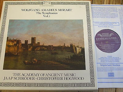 D167D3 Mozart The Symphonies Vol. 1 / Hogwood / Schroder / AAM 3 LP box