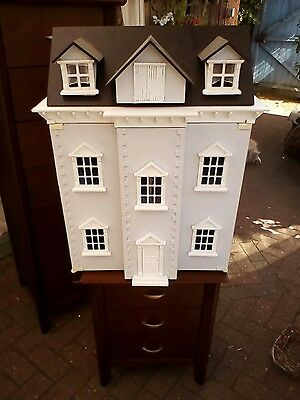 Large dolls house with 6 furnished room