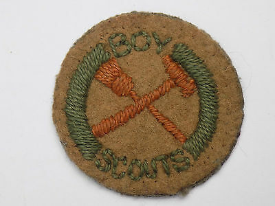 Vintage BOY SCOUTS Embroidered Cloth Badge