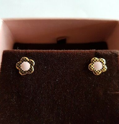 18ct Gold Flower Shaped Stud Earrings New