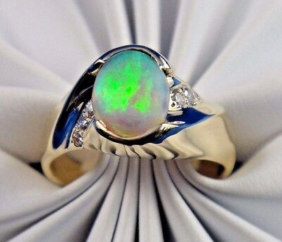 Vintage 14k Solid Yellow Gold Ring with Opal and 0.12 ct Diamonds Size 8