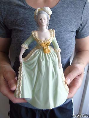 Franklin Mint Porcelain Great Queens of History Figurine: Marie Antoinette 8.5""