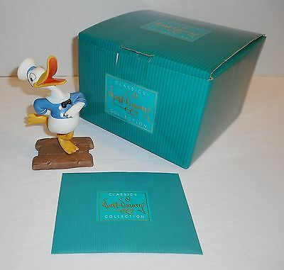 Walt Disney Collector`s Society Donald`s Debut-The Wise Little Hen sculpture W/B