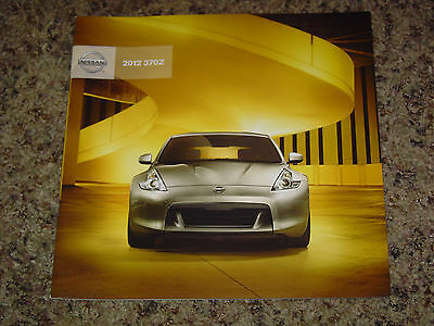 2012 Nissan 370Z Coupe And Roadster Sales Brochure Mint! 36 Pages
