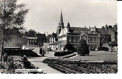 RP 1961 DUNSTABLE Priory Gardens, buildings, Transport Dining Rooms, people