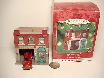2001 Hallmark Tin Litho Fire House Station No.1 Town & Country series mint/box
