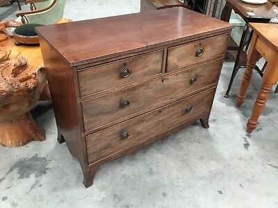 Antique Late Georgian Mahogany Chest Of Drawers On Bracket Feet
