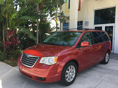2008 Chrysler Town & Country Touring Mini Passenger Van 4-Door Nav DVD CD Leather GPS Backup Camera