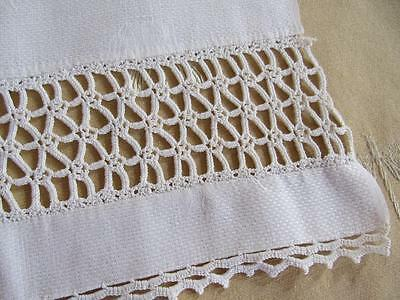 Antique Vtg Linen Damask Show GUEST Fingertip Towel Crochet Lace Insert 14x38""