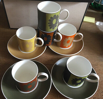 Susie Cooper Carnaby Daisy Coffee 6 Cups & 4 Saucers Exc Condition
