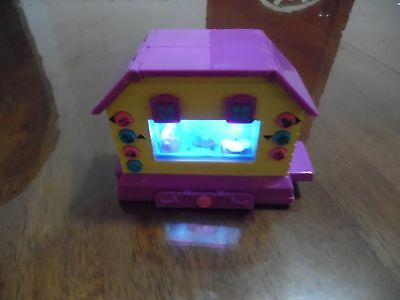 PIXEL CHIX Rock N Roll Dog House 3D Interactive Electronic game MATTEL
