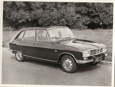 Renault 16Ts Period Photograph.