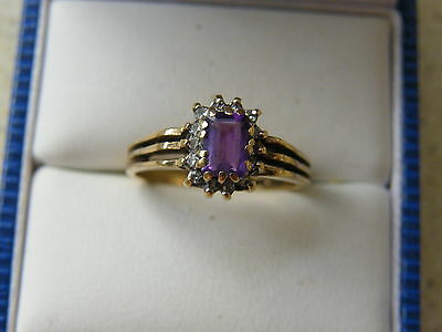 9ct Yellow Gold Amethyst and Diamond Cluster Ring size N (28)