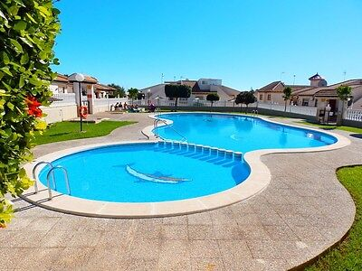 2 bedroom holiday apartment Costa Blanca Cabo Roig Spain, £125pw low season