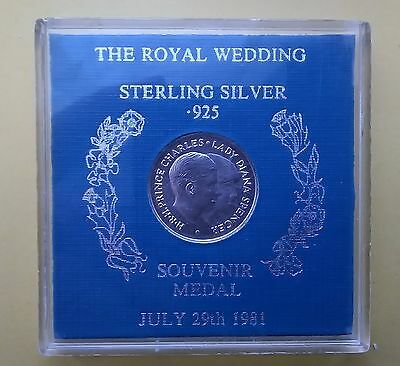 1981 Royal Wedding Souvenir Coin Medal in sterling silver (21mm) Charles & Diana