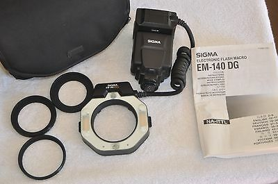 Sigma EM-140 DG Macro Ring Flash for Nikon, Case and 3 adapter rings. Used TWICE