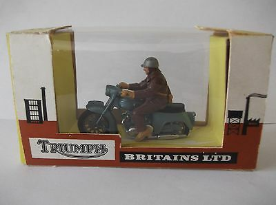Britains Triumph Thunderbird  Motorcycle 9686 Boxed.