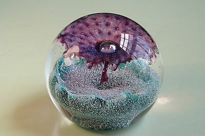 Gorgeous Caithness Fountain Glass Paperweight In Excellent Condition