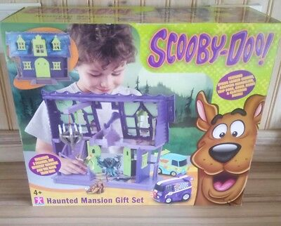 Scooby Doo Haunted Mystery Mansion Play set Gift Set with Vehicles & Figures