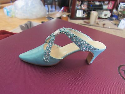 Just the Right Shoe - Raine -Society Slide- Item # 25064