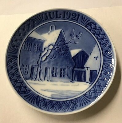 1921 Royal Copenhagen Christmas Plate Aabenraa Marketplace blue delft