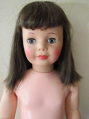 Vtg PATTI PLAYPAL Doll G-35 BRUNETTE Hair Blue/Green Eyes GREAT COLORING
