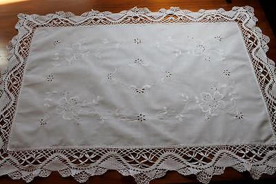 Vintage White Linen Embroidered Table Centre Doily - Filet Lace Crochet Edging