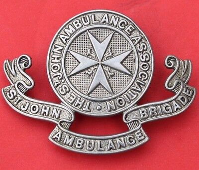 The  St.  John  Ambulance  Association  <<>> Old & Altered  Cap  Badge <<>> Used