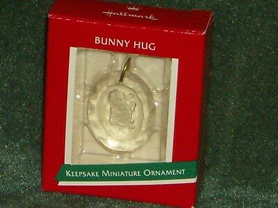 Hallmark 1989 Bunny Hug - Miniature Ornament - NEW