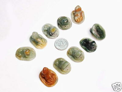 10pcs Hand Carved Natural Serpentine Stone Frog Figurines Pendants