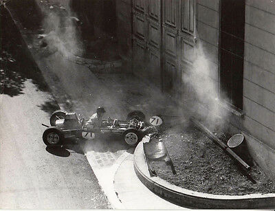 SINGLE SEATER RACING CAR No.71, CRASHED IN TO SMALL WALL, PERIOD PHOTOGRAPH.