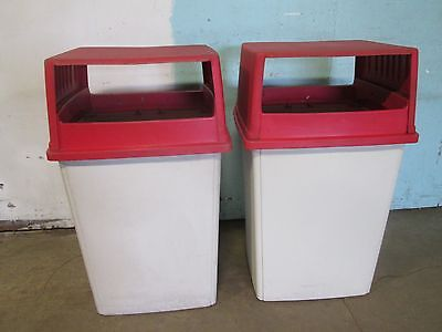 "Lot Of 2 ""rubbermaid"" Heavy Duty Commercial Trash/garbage/refuse Containers"