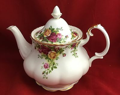ROYAL ALBERT Doulton OLD COUNTRY ROSES large teapot made in England 1