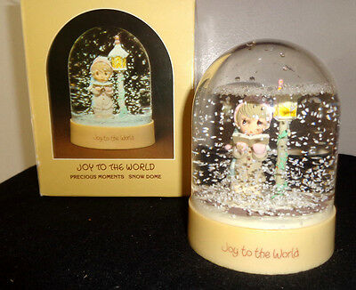 Precious Moments Joy to the World Snow Dome 1983 E-8767 w/ original box