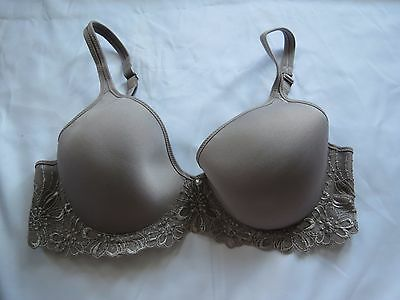 ed73b5d632c63 Bali One Smooth U Ultra Light Embroidered Frame Underwire Bra 3443 sz34B