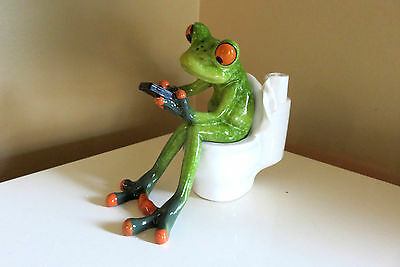 Frog Sitting on Toilet with Cellphone Figurine Ornament 4.5 in.Green Frogs New