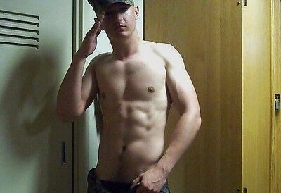 Shirtless Male Muscular Army Military Stud Saluting PHOTO 4X6 D275