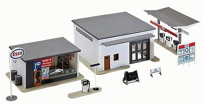 3 Buildings HO Scale Model Power Mike's Car Wash Auto Supply & Gas Station Kit