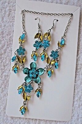 vintage style jewelry set Turquoise flower necklace earrings silver tone