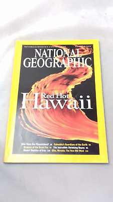 National Geographic Magazine - October 2004: Red hot Hawaii (National Geographic