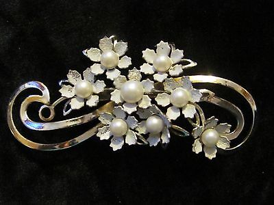 Lovely Vintage White Flower & Faux Pearl Swirled Brooch Pin Gold Tone