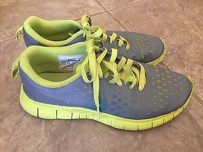 Nike Free 5.0 Youth Running Athletic Shoes Size 6Y
