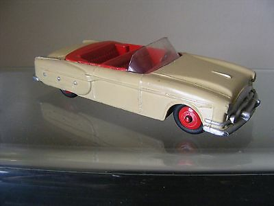VINTAGE DINKY TOYS MODEL No.132 PACKARD CONVERTIBLE CAR